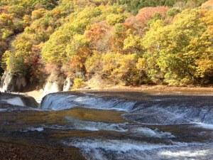 噴き割れ渓谷